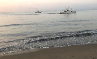底引き網の漁船
