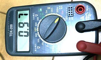 テスターでLEDライトの電流測定
